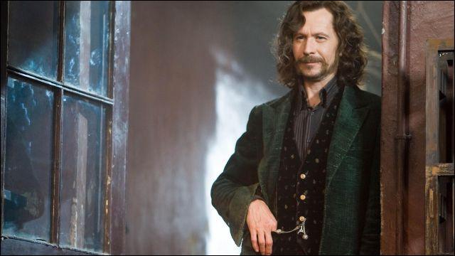 TOP 8 : Sirius Black (215 pts) : à quel âge a-t-il quitté la maison familiale ?