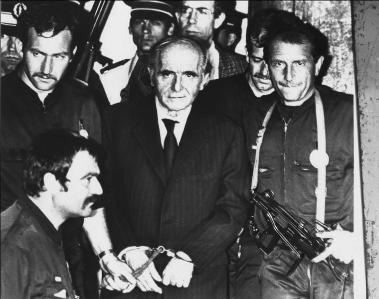 Dans quel pays un journaliste français a-t-il réussi à piéger le terrible nazi Klaus Barbie en le confondant, alors qu'il y était caché depuis plus de 25 ans ?