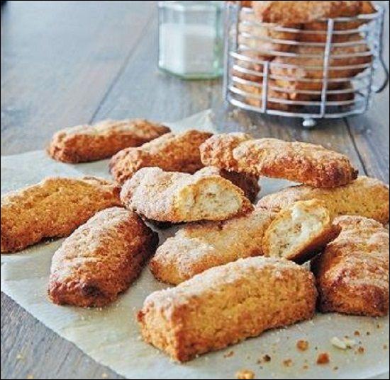 Né à Calenzana c'est l'un des biscuits les plus célèbres de Corse. Croustillant, dans différents parfums mais toujours au vin blanc, c'est...