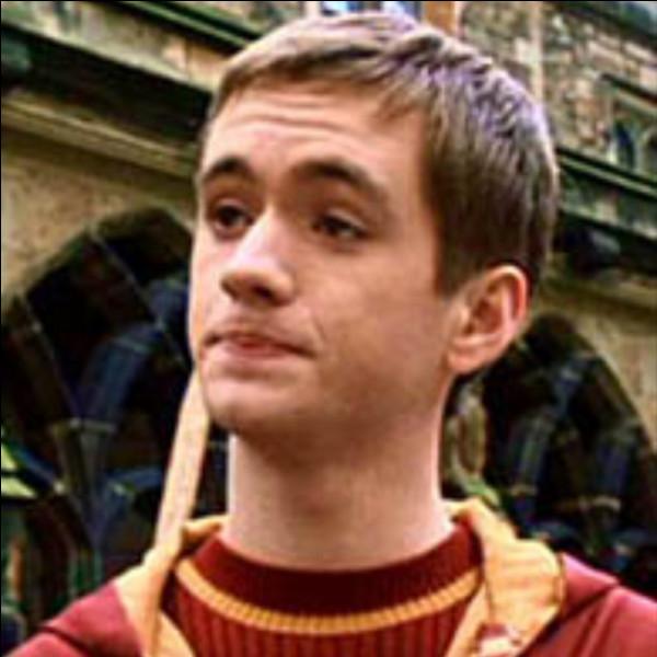Quand Harry est rentré à Poudlard pour la première fois, quel âge avait Olivier ?