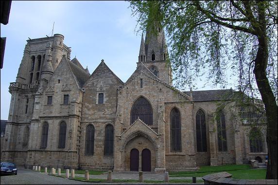 Lequel de ces départements nous accueillera, pour prier (de faire un bon score) dans la basilique Notre-Dame de Bon-Secours, située au cœur de la cité historique de Guingamp ?