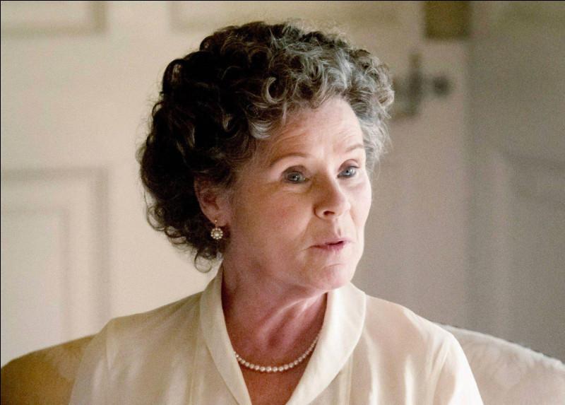Quel personnage est joué par Imelda Stauton ?