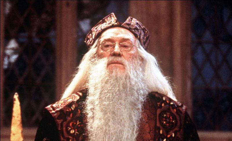 Qui joue Albus Dumbledore jusqu'au HP 2 ?