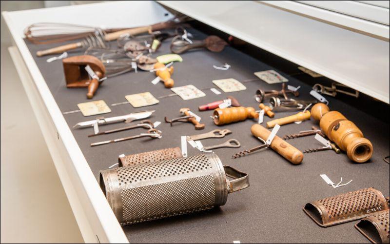 Varié, cet éco-musée recèle une collection bien particulière, tel qu'en témoigne l'image ci-dessus. Laquelle ?