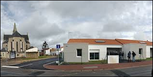 Nous terminons notre balade dans les Pays-de-la-Loire, à Saint-Mathurin. Ville de l'arrondissement des Sables-d'Olonne, elle se situe dans le département ...
