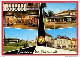 Je vous propose de partir chercher un bon pâté lorrain à Baccarat. Chef-lieu d'un énorme canton du Grand-Est, connue pour ses cristalleries, elle se situe dans le département ...