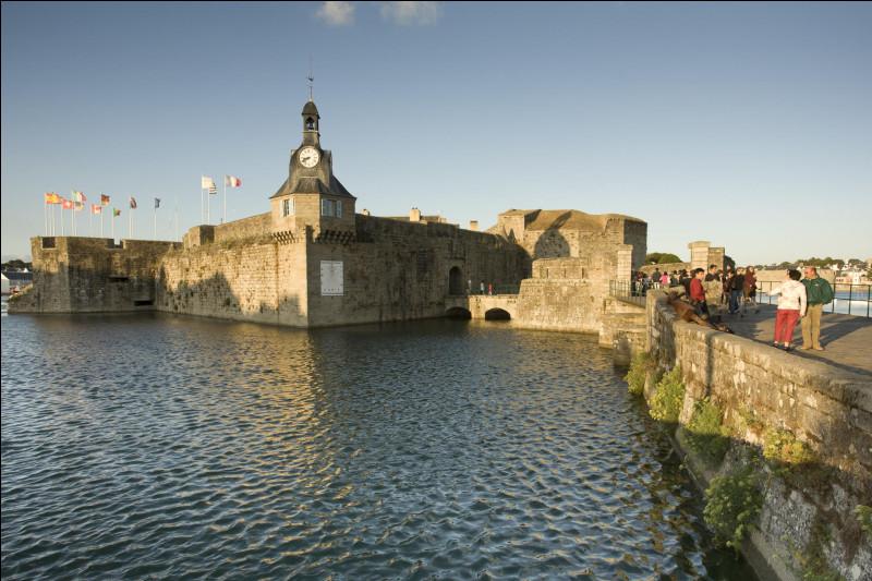 Et voici la ville finale de notre voyage à travers la Bretagne. Où sommes-nous ?