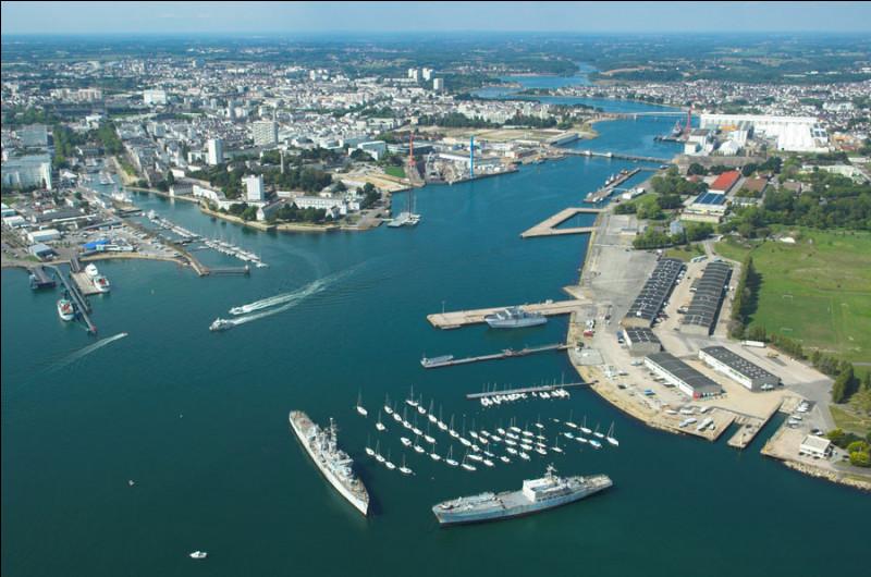 Quel est le nom de cette ville portuaire bretonne ?
