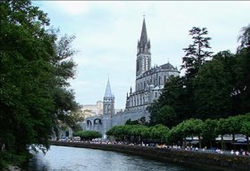 Combien de miracles ont été validés ou reconnus à Lourdes par l'Église depuis 1858 ?