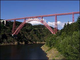 """Par exemple : on connaît comme le loup blanc le pont eiffelien de Garabit, mais le nom de la """"commune touristique"""" qui l'abrite et la rivière qu'il enjambe ?"""