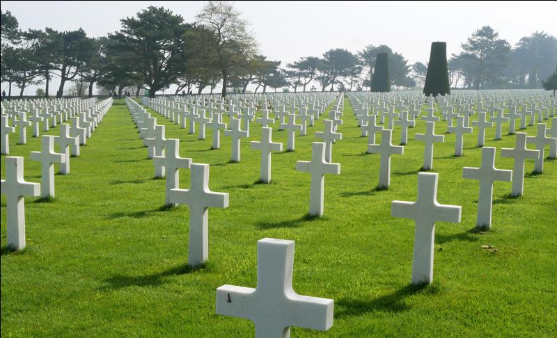 Le cimetière américain de Colleville-sur-Mer, dans le Calavdos, arrive en dix-neuvième position ! Combien compte-t-il de tombes ?