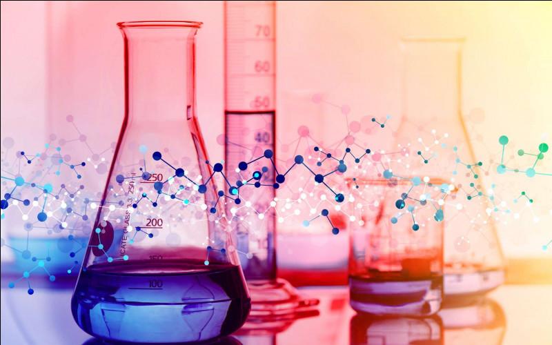 Que va-t-il se passer si vous versez une solution concentrée en permanganate de potassium dans un bidon contenant des solvants organiques ?