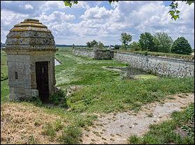 Refaisons un petit crochet par la Charente, avec le fort de ...