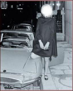 Quelle est cette actrice qui pilotait cette Matra M530 dans les années 70 ?