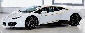 Ce bolide italien a été offert au pape François en 2017. Supercar qu'il a dédicacée et revendue au profit d'œuvres de charité. Quel est ce modèle ?