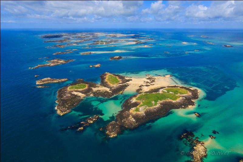 Comment faire un quiz sur les plus belles îles de France sans parler de cet archipel ? J'ai l'honneur de nommer celui qui compte le plus d'îles d'Europe : je parle évidemment des îles Chausey ! Des paysages merveilleux seront au rendez-vous ! Pour cette question, juste un vrai-faux : La plus grande île de cet archipel se nomme également Chausey.