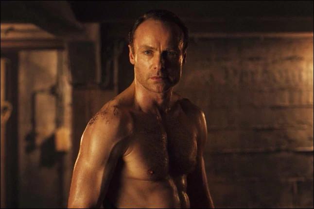 Quel est le personnage joué par Mark Waschke ?