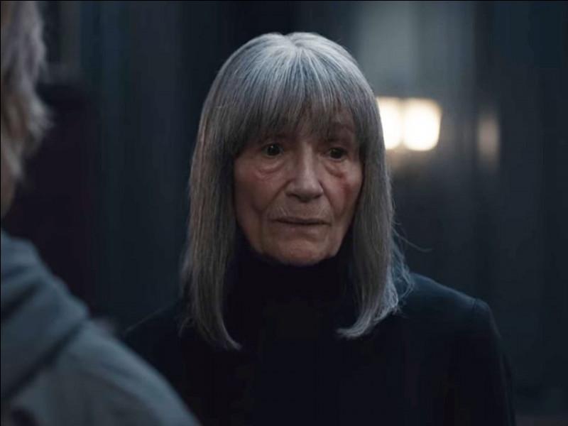Quel est le personnage joué par Barbara Nüsse ?