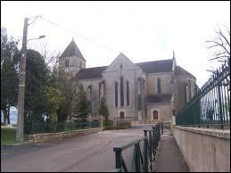 Ville de Bourgogne-Franche-Comté, en Bresse louhannaise, Branges se situe dans le département ...