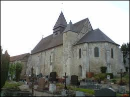Voici l'église Saint-Pierre de Harquency. Village du Vexin normand, à l'est de la ville des Andelys, il se situe dans le département ...