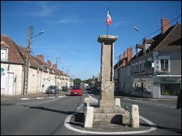 À quoi servait au IIIè siècle cette borne militaire romaine découverte en 1757 dans la nécropole d'Allichamps, à Bruères-Allichamps ?