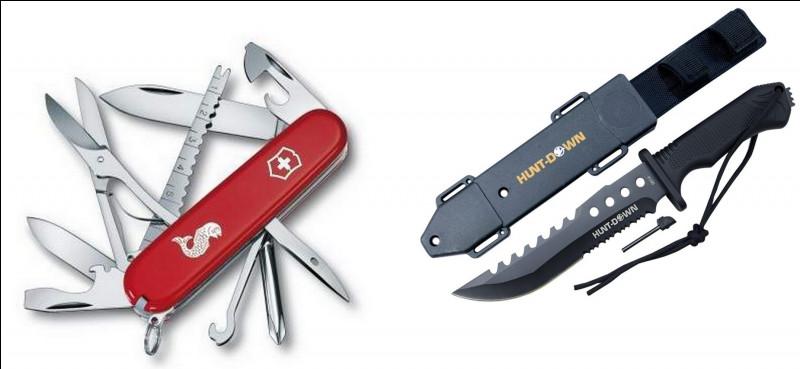 Comme tout sac de survie qui se respecte il a aussi des couteaux ! Mais lequel est un couteau suisse ?