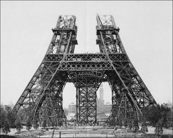 En quelle année la construction de la Tour Eiffel a-t-elle commencée ?