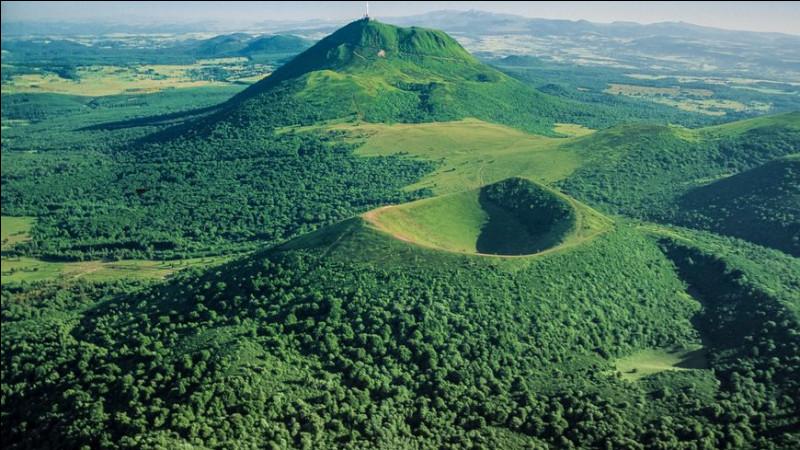 En Auvergne, nous pouvons observer de nombreux volcans. Aujourd'hui certains volcans sont-ils encore actifs ?