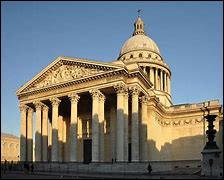 Y a-t-il un Panthéon romain et un parisien ?