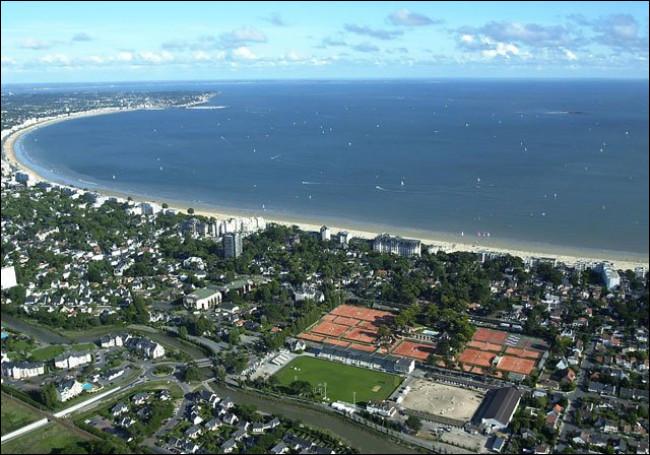 La ville de La Baule fait partie du département de la Vendée :