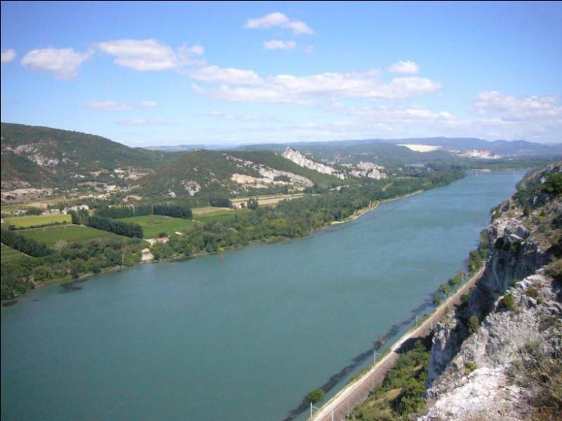 Quelle est la longueur du Rhône ?