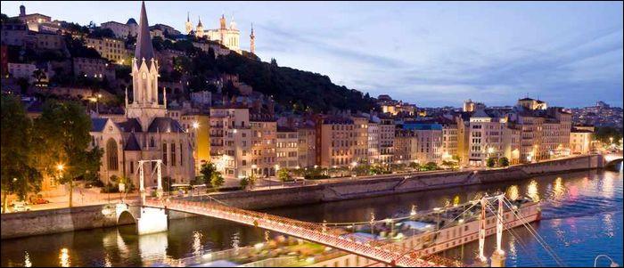 Commençons par une question facile, quelle est la préfecture du Rhône ?