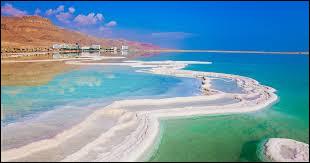 Parmi ces mers et lacs d'Israël, lequel est le plus salé ?