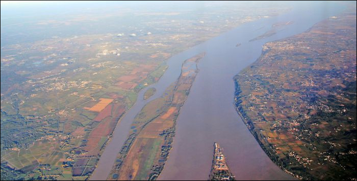 La Gironde est un estuaire englobant deux fleuves assez importants. Quels sont-ils ?