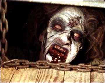 La première personne a être possédée dans Evil Dead est :