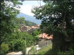Petit tour en Corse, à Tasso. Village de l'arrondissement d'Ajaccio, il se situe dans le département ...