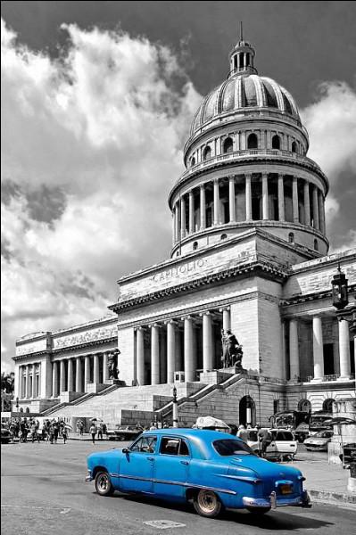 Dans quelle ville le Capitole, en photo, nous accueille-t-il ?