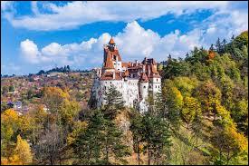 """Que faut-il ajouter au mot """"trans"""" pour trouver le nom d'une région au centre de la Roumanie ?"""