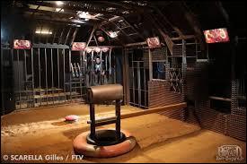 Qui affronte-t-on dans la cage ?