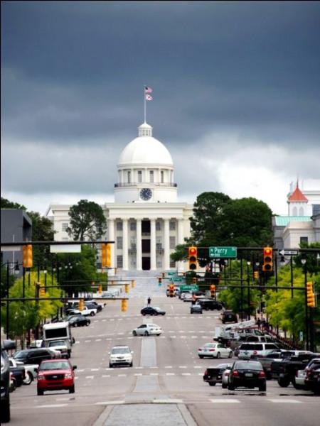 Quel État des États-Unis a pour capitale Montgomery ?