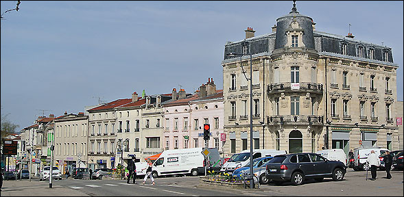 """Com, comme """"Commercy"""" : quelle friandise est liée à cette ville ?"""
