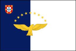 Voici le drapeau des Açores. Quel est l'animal représenté dessus ?Indice : cet animal ne figure pas très souvent dans les drapeaux et armoiries.