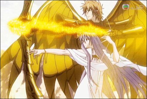 En sachant qu'Athéna n'autorise pas les armes au combat pourquoi les chevaliers du Sagittaire ont-ils un arc et une flèche d'or ?