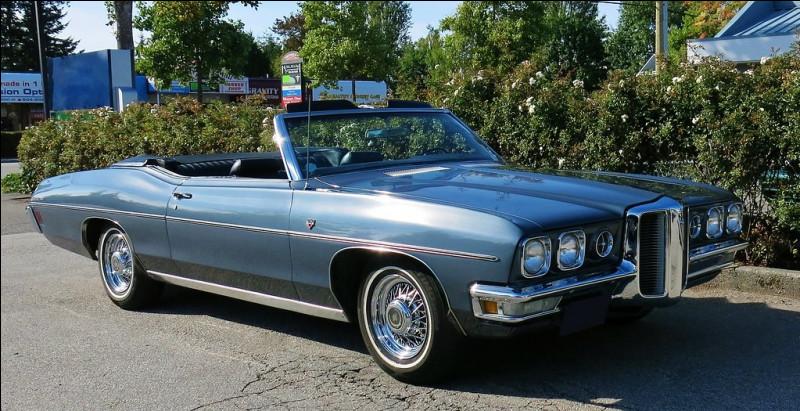 Difficile à croire, cette sublime automobile américaine se nomme Parisienne. Quel est son constructeur ?