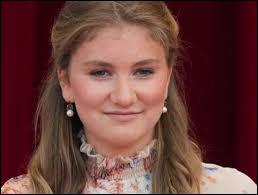 Je vous présente la future reine Élisabeth de Belgique !Elle est également _________ de Brabant.