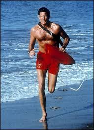 """Quel était le métier de Mitch Buchannon dans la série """"Alerte à Malibu"""" ?(Orthographe recommandée par le Larousse)"""