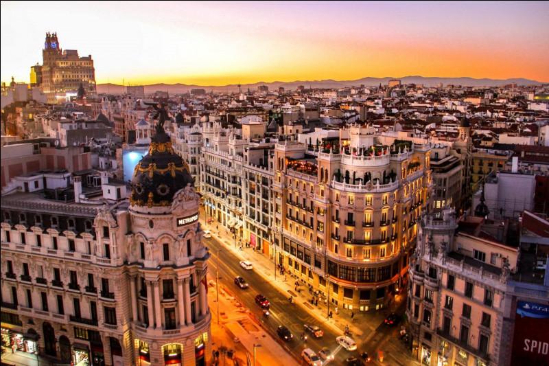 Dans quel pays se trouve la ville de Madrid ?