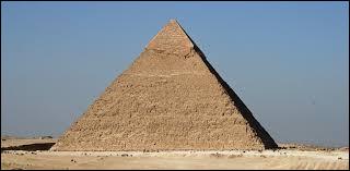 Combien a-t-on découvert de chambres dans la grande pyramide ?