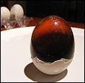 Dans quel pays mange-t-on généralement des œufs de cent ans ?