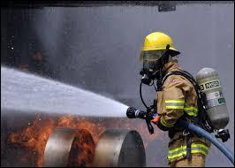 Quel pays européen a le nombre 100 en tant que numéro de téléphone de l'ambulance et des pompiers ?